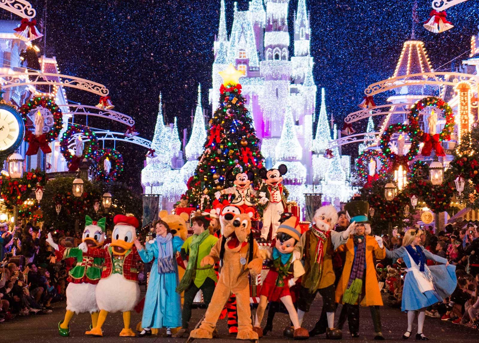 Central Park Fall Desktop Wallpaper Disney Christmas Vacation Christmas At Disneyland 2019