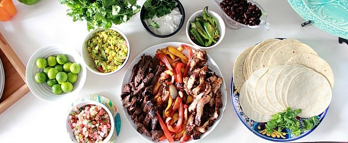 Fajita Bar: Weeknight Simple Meals To Fill Moms' Appetite