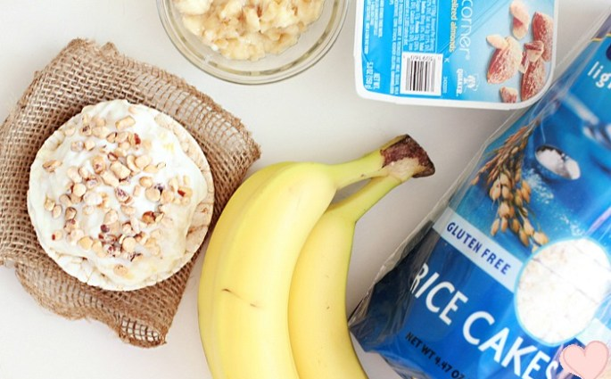 banana-almond-yogurt-rice-cakes-3