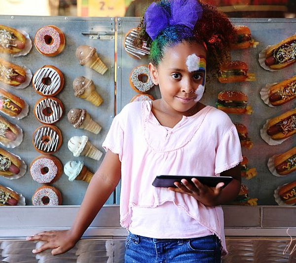Spanish Kindergarten Activities: Photo Scavenger Hunt