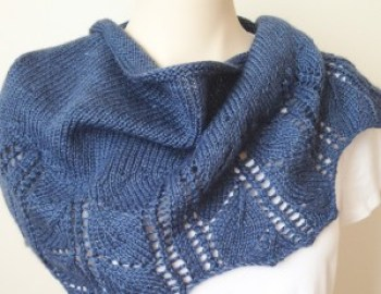Knitting Pattern Shawl Leaves Shawlette