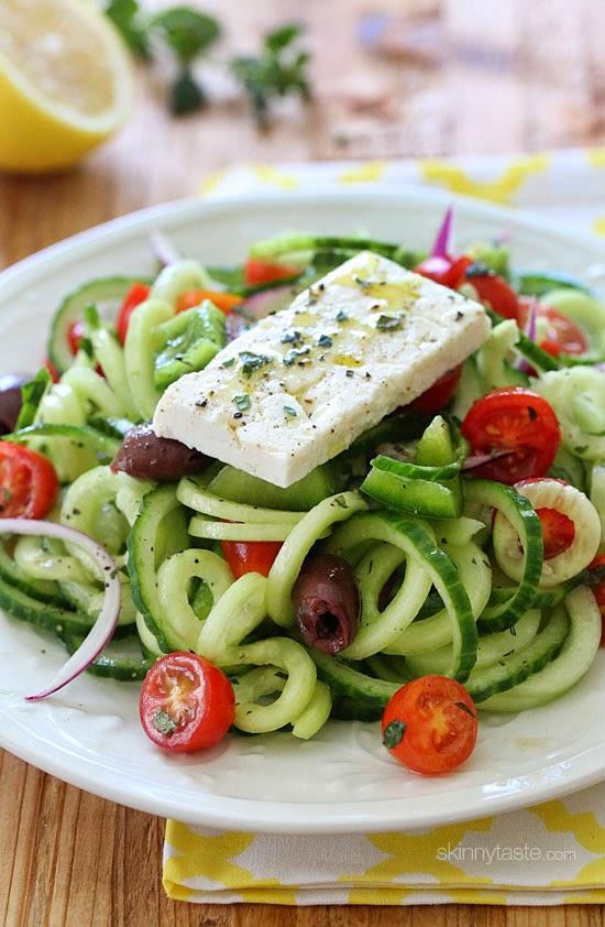 spiralized-Greek-cucumber-salad-low carbs