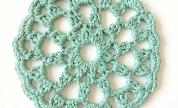 Round Crochet Motif From My Favorite Crochet Book