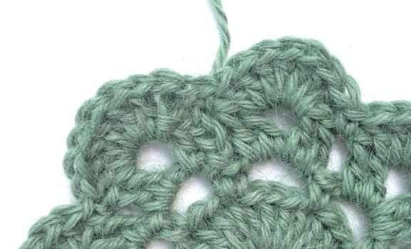 Learn How To Crochet an Invisible Join