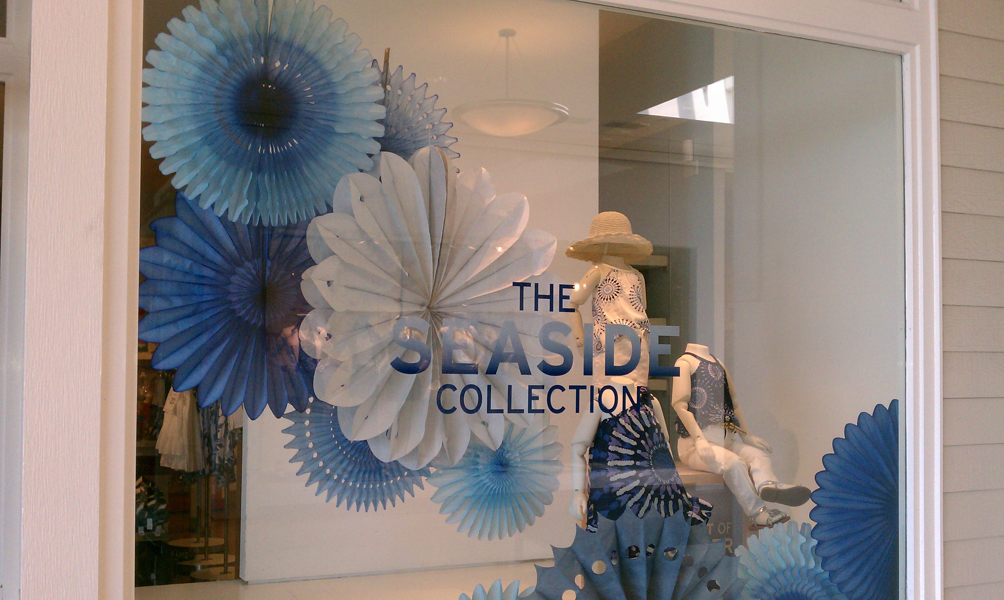 Spring Window Displays For Retail Stores