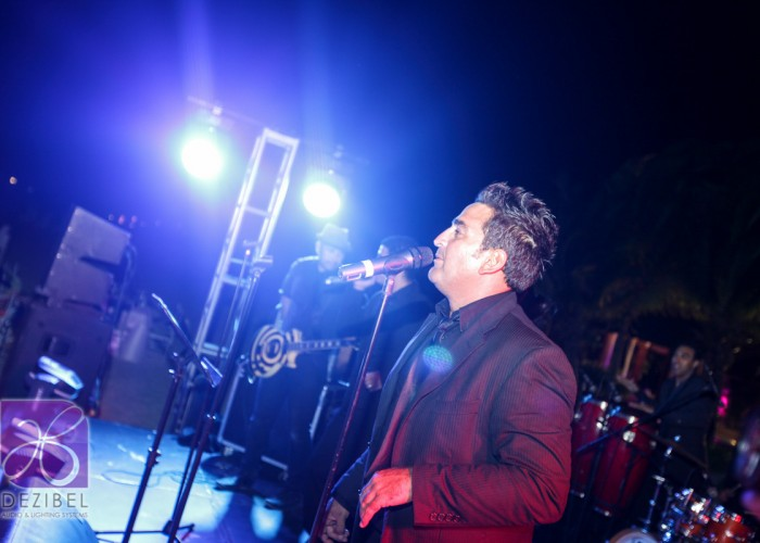 Beach Wedding cancun- Hits Band-52
