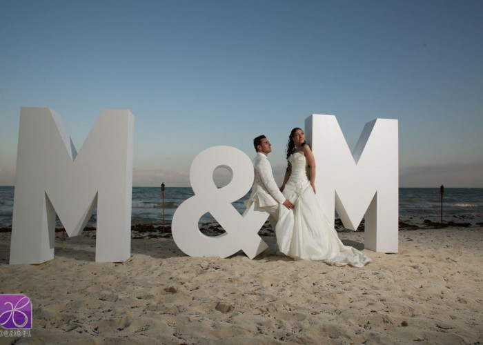 Giant letters for weddings and events in cancun and for Giant letters for wedding