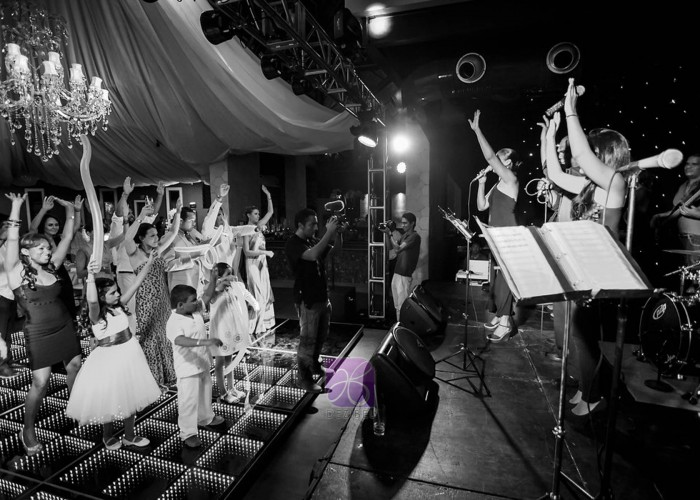 Versatile-band-wedding-and-event-productions--2