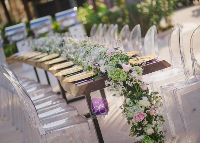 centerpiece by dezibel wedding florist