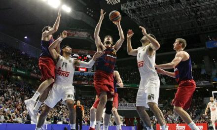 El Real Madrid barre a un Barcelona eliminado y sigue firme (85-69)