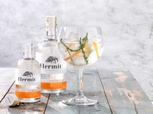 Perfect-Serve-tonic-Hermet-05-en-020-BooM-edit-extended-light-cropped