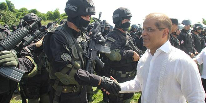 """""""Juntos seguiremos haciendo, de nuestro país,  un El Salvador más grande"""", Oscar Ortiz"""