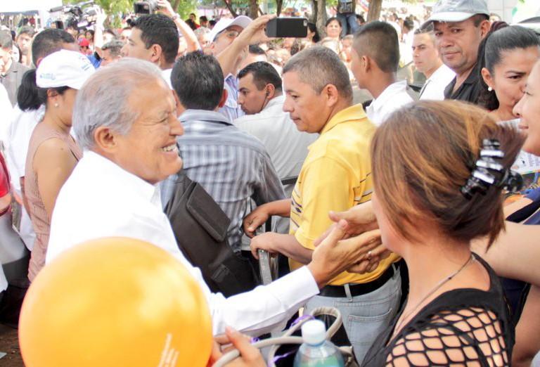 Presidente recomienda a implicados en Caso Jesuitas que se entreguen