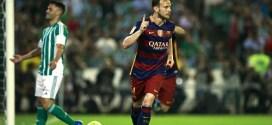 Barcelona supera al Betis y se mantiene al frente de la Liga