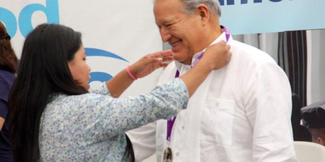 Presidente Sánchez Cerén reafirma su compromiso de lucha por los derechos de las mujeres