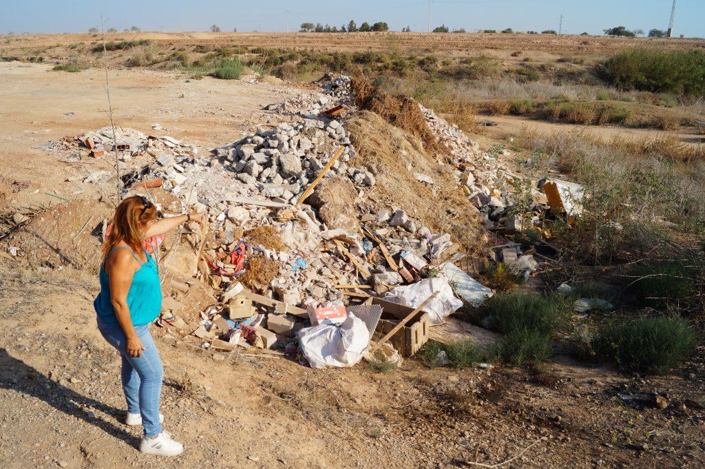 """Podemos denuncia que la rambla de El Albujón """"sigue sin limpiarse"""""""