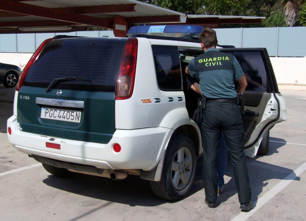 Detenidos tres experimentados delincuentes por el asalto a un domicilio de Los Nietos