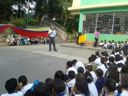 Niños realizaron la presentaron de sus cierres de proyect