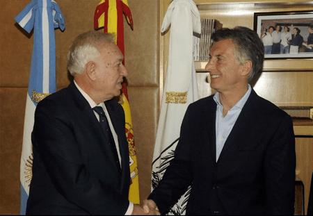 El canciller García-Margallo es el primer funcionario extranjero en tener una reunión con el próximo jefe de Estado argentino. CORTESÍA / CLARIN