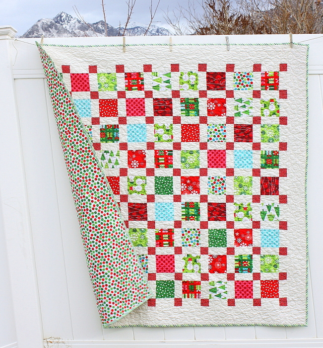 retro christmas quilt full with back