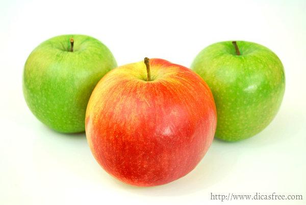 A maçã é importante pois é rica em vitaminas.