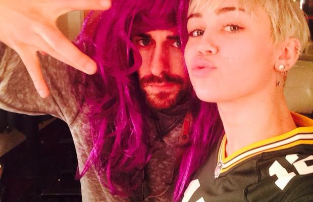 Miley Cyrus Aaron Rodgers Packers