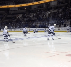 Kings and Sharks warm up in silence after power goes off