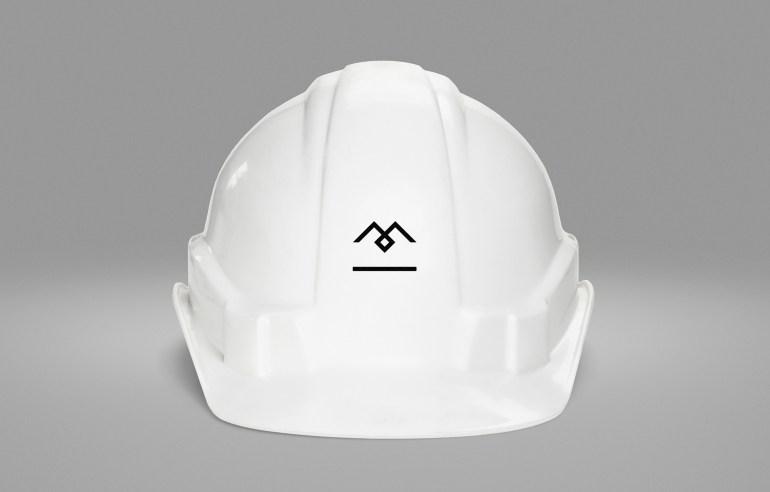 Diferente_M_Helmet_Thumb_HR