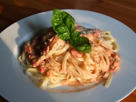 linguine-frischkaese-tomaten-sosse