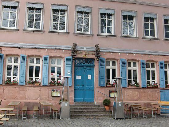 """Gasthaus """"Zum Bären"""" in Frankfurt-Höchst (Aussenansicht)"""
