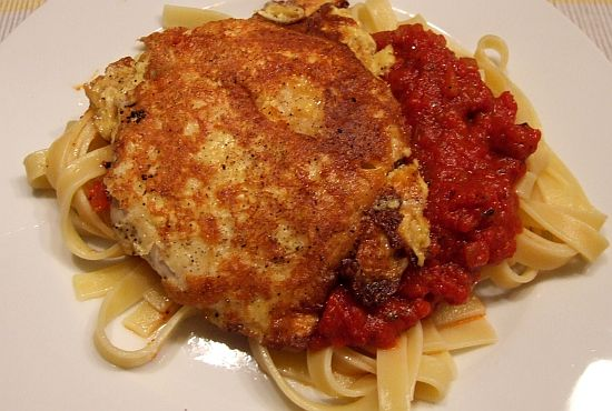 Foto: Hähnchen-Piccata mit Tomatensoße