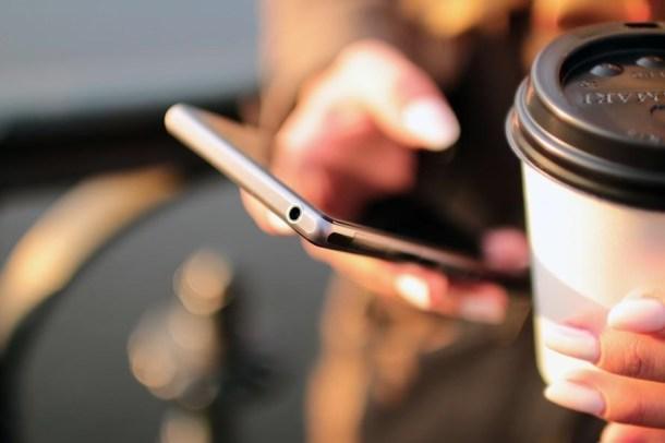 phone-coffee