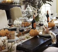 55 Beautiful Thanksgiving Table Decor Ideas - DigsDigs