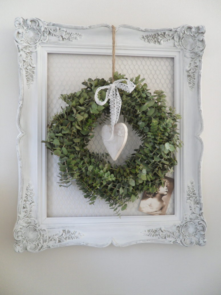 51 exquisite totally white vintage christmas ideas digsdigs - 51 Exquisite Totally White Vintage Christmas Ideas Digsdigs Framed Eucalyptus Wreath Would Always Looks Stylish Download