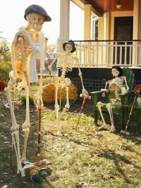 31 Creepy And Cool Halloween Yard Dcor Ideas - DigsDigs