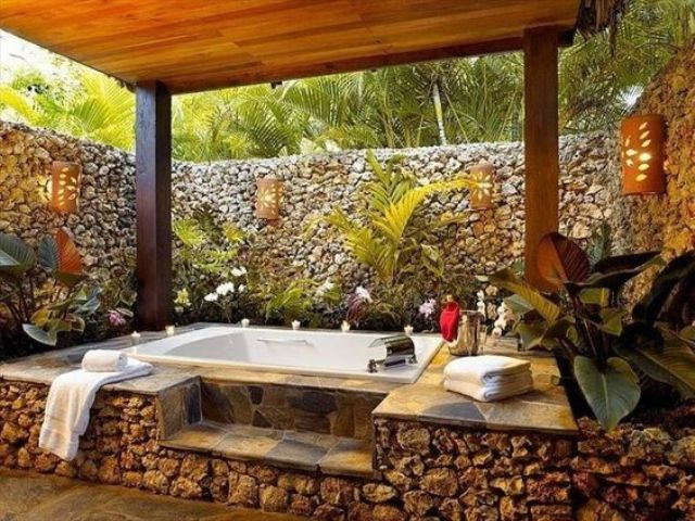 30 Cool And Inviting Outdoor Jacuzzi Ideas Digsdigs