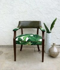 30 Stylish And Timeless Tropical Leaf Dcor Ideas - DigsDigs