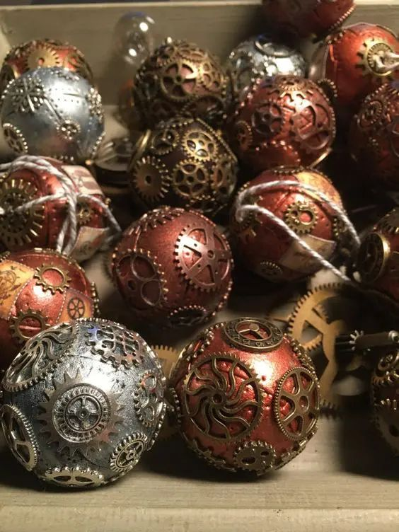 photos of christmas ornaments