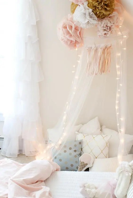 Cute Little Fairy Wallpapers 26 String Lights Ideas To Make A Kid S Room Dreamy Digsdigs