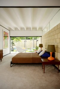Mid-Century Modern House With Colorful Furniture - DigsDigs