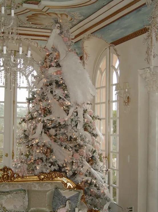 40 Beautiful Vintage Christmas Tree Ideas - DigsDigs - beautiful decorated christmas trees