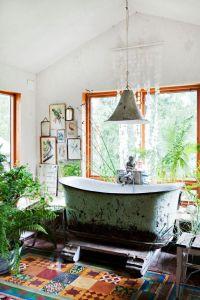 36 Bright Bohemian Bathroom Design Ideas - DigsDigs