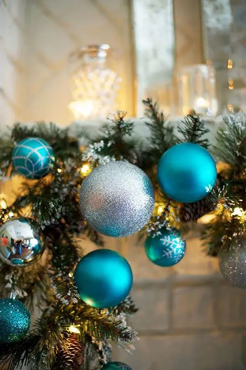 35 Silver And Blue Décor Ideas For Christmas And New Year - DigsDigs