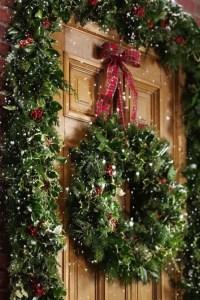 40 Comfy Rustic Outdoor Christmas Dcor Ideas - DigsDigs