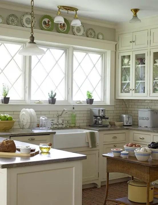 35 Cozy And Chic Farmhouse Kitchen Décor Ideas - DigsDigs - kitchen decoration ideas