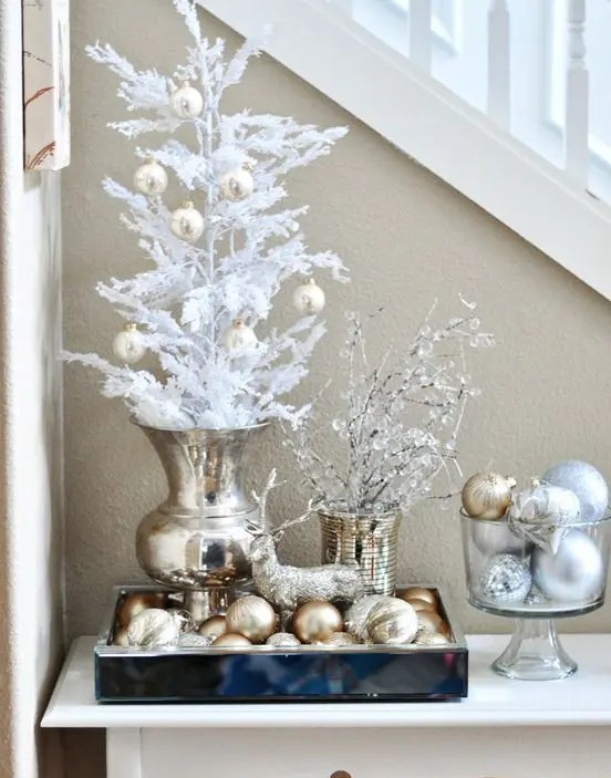 44 Refined Gold And White Christmas Décor Ideas - DigsDigs - christmas home decor ideas
