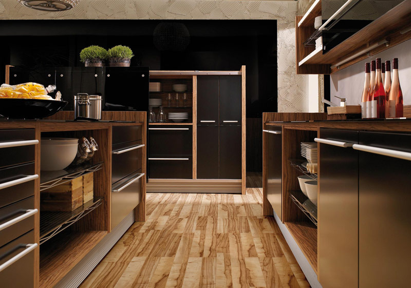 Glossy Lacquer with Natural Wood Kitchen Design