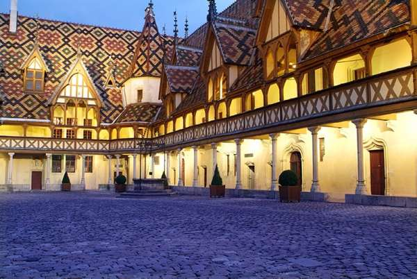 Week end glamour beaune en 7 tapes - Quoi visiter a beaune ...