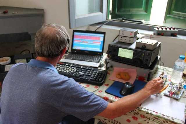 Αποτέλεσμα εικόνας για Εξετάσεις για την απόκτηση πτυχίων ραδιοερασιτεχνών