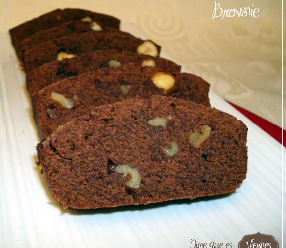 Brownie a los 3 chocolates con avellanas